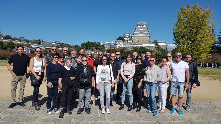 Augenoptiker vor der Burg Himeji